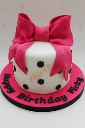 bow birthday cake