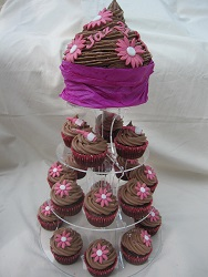 choc cupcakes and giant cupcake