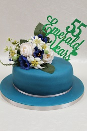 emerald wedding anniversary cake