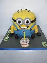 jerry minion cake